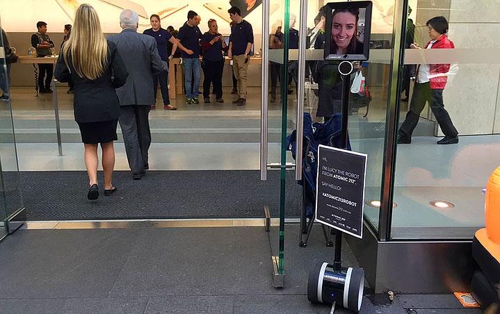 apple-iphone-kuyrugu-robot-koydu